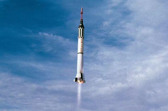 Вирджил Айвен Гриссом второй американский  космонавт