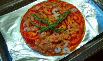 Домашняя пицца с тунцом по-московски
