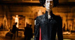 Небесные тела: мода и католическое воображение