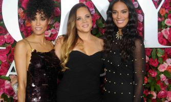 Метаморфозы Tony Awards. Куда подевались голые платья?