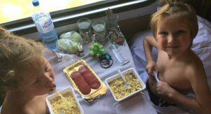 Сочи-Москва. С детьми в старом купе