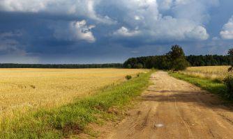 Белорусские просторы и трёхэтажные облака
