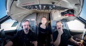 Может ли стюардесса посадить самолёт?