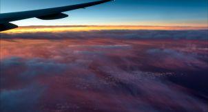В самолёте запретили любоваться рассветом