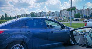 В чем прелесть открытого окна в автомобиле?