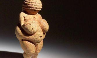Женские формы и социум. Есть ли связь?