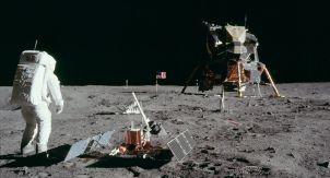 50 лет назад человек впервые шагнул в лунный реголит