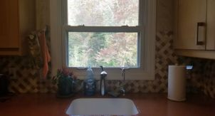 Раковина у окна: все «за» и «против»