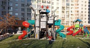 Дети в Москве играют в «коронавирус»