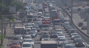 Зачем строить дороги, если потом опять пробки?