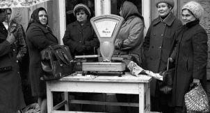 Убогие советские пословицы и поговорки?