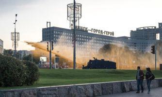 Тайная «инаугурация» и водомёты в Минске