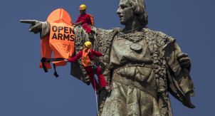 Какие памятники нужно сносить?