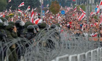 О белорусских силовиках. Что делать против толпы?