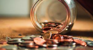Почему вы не храните в валюте? Сильная вера в рубль?