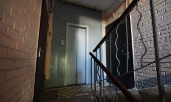 Управдом заселил мигрантов в чужую квартиру