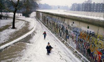 Как жили люди вдоль Берлинской стены?