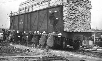 Женский труд в СССР. Освобождение или эксплуатация?
