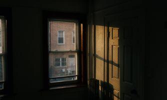Почему в США окна сдвижные, а не распашные?