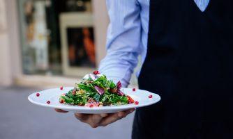 Как в Италии готовят русский салат «Оливье»