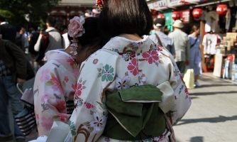 Весенняя мода у японцев: концепция «релакси мама»