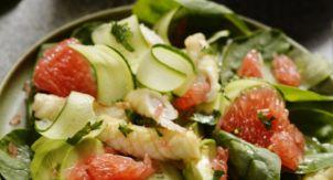 Фруктово-овощной салат с кальмарами