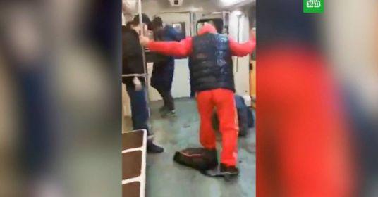 Избиение тремя приезжими парня в метро