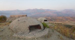 Откуда в Албании столько бункеров?