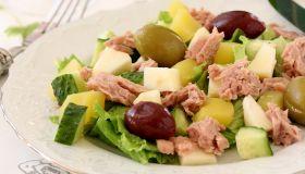 Будничный сюрприз. Салат с тунцом и картофелем