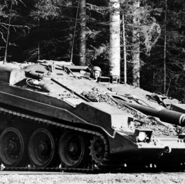 Совершенно безбашенный. История уникального шведского танка