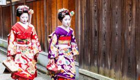 Новая жизнь кимоно. Носят ли его и всем ли оно по карману