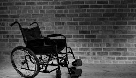 Доброта в инвалидной коляске
