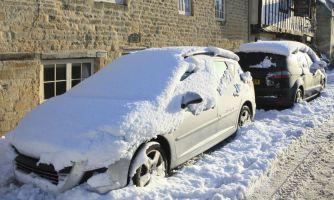 Чем опасен снег на крыше авто