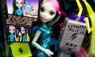 Кроватки-гробики и электрошокеры для кукол
