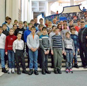 Блогеры подарили детям Москву