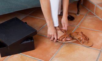 Как выбрать сандали на узкую ногу